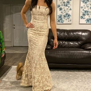 Vince camuto champagne formal dress